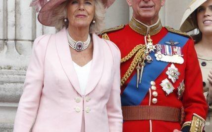 Герцогиня Корнуольская показала редкие снимки со своим отцом