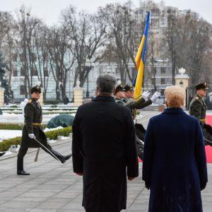 Порошенко та Грібаускайте спільно закликали міжнародну спільноту посилити санкції проти РФ