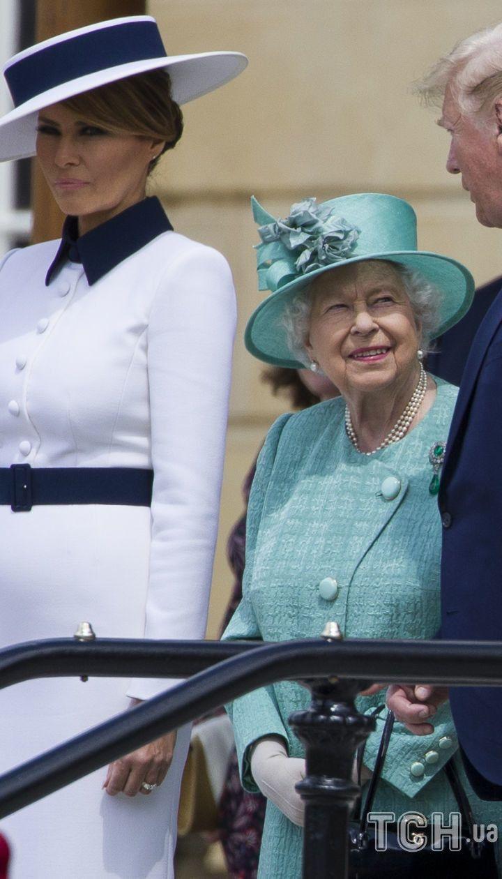 ППерша леді Меланія Трамп, королева Єлизавета II і президент Дональд Трамп в Букінгемському палаці, 3 червня 2019 року / © Associated Press