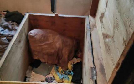 У Донецькій області зникли 10-річна дівчинка та 7-річний хлопчик: їх знайшли мертвими у старій скрині
