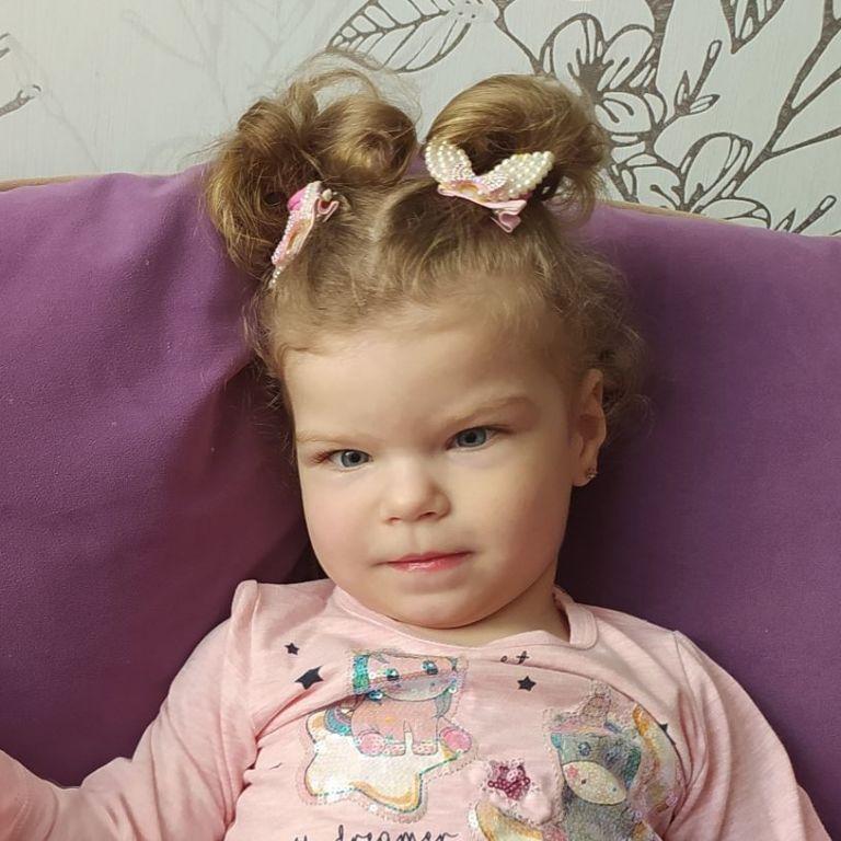 3-річна Маша дуже потребує допомоги небайдужих