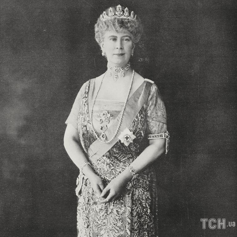 Брат принцеси Діани показав рідкісний кадр свого діда з бабусею королеви Єлизавети II