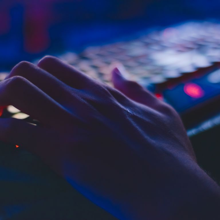 Хакеры атаковали американскую трубопроводную компанию: СМИ уверяют, что они связаны с Россией