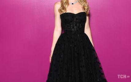 У вечірній сукні та з розкішними прикрасами: леді Кітті Спенсер на вечірці в Римі