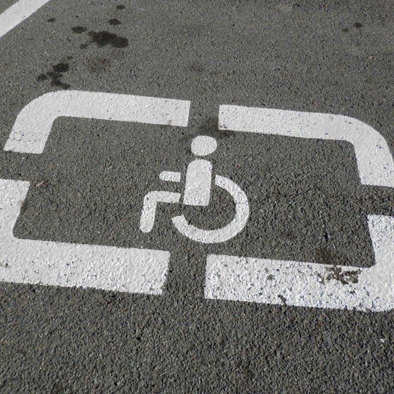 У Києві можуть дозволити паркуватися безкоштовно: хто на це матиме право