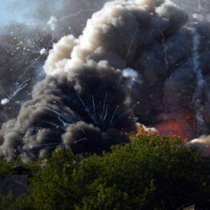 У центрі Москви палає склад з піротехнікою: чути вибухи (фото, відео)