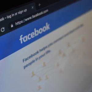 """""""Неправдива поведінка"""": Facebook видалив в Україні десятки сторінок та акаунтів, пов'язаних із партією Порошенка"""