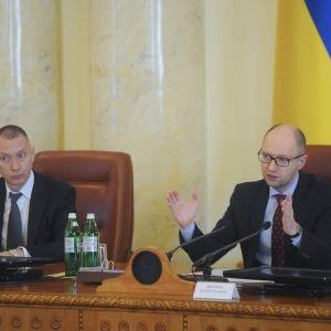 Ложкин считает Яценюка замечательным премьером и не хочет садиться в его кресло