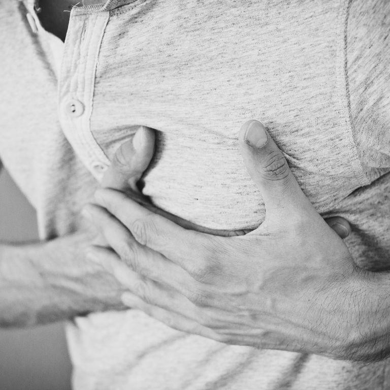 """""""Небезпечно для здоров'я і життя"""". Супрун розповіла, як відрізнити серцевий напад від панічної атаки"""