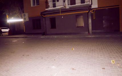 П'яні розваги: в Івано-Франківську чоловік відкрив стрілянину з балкона багатоповерхівки (фото)