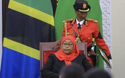 Вперше в історії Танзанії пост президента зайняла жінка