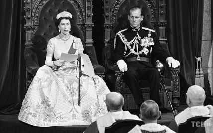 Этот день в истории: три ретрофото королевы Елизаветы II и ее семьи