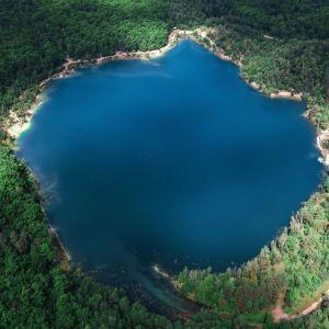 Черепашинецький кар'єр: вихідні із пікніком над лазуровим озером у Вінницькій області