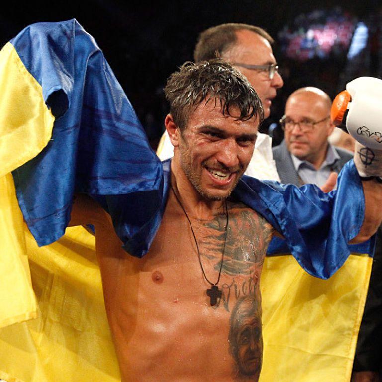 Ломаченко защитил титул, нокаутировав мексиканца в Вегасе