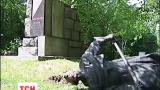 В Киеве за ночь повалили три памятника деятелям советским времен