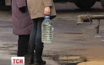 Брудною водою з кишковою паличкою в Бортничах у Києві отруїлися вже 97 осіб