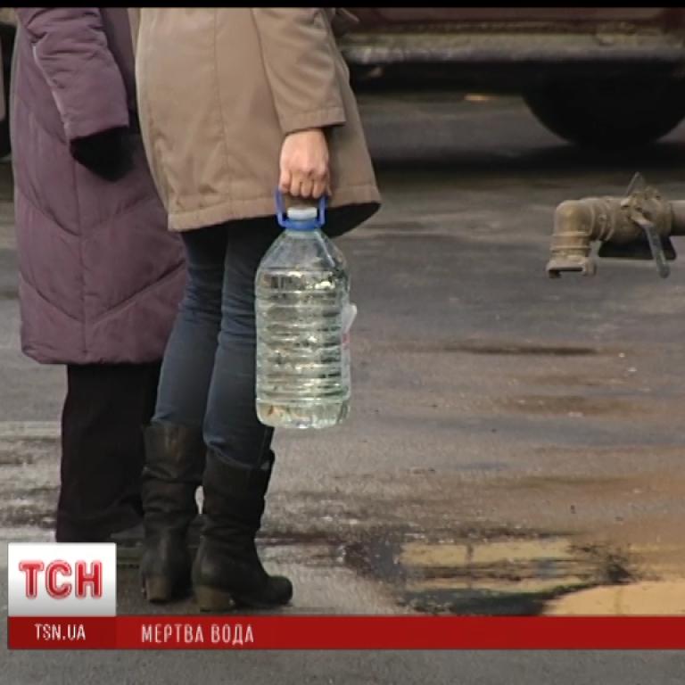 Грязной водой с кишечной палочкой в Бортничах в Киеве отравились уже 97 человек