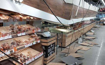 В супермаркете в Кривом Роге на посетителей упал потолок