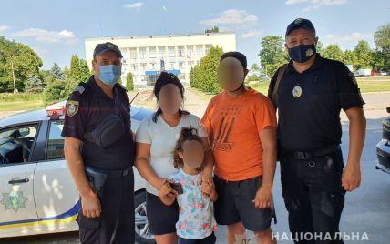 Дівчинка, яку шукали поліцейські у Миколаївській області, спала у готельному номері