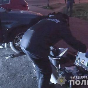 Забрал 5000 долларов: в Киеве задержали грабителя, который угрожал матери с дочерью пистолетом (видео)