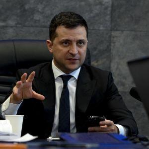 Ситуация в Донбассе и членство в НАТО: Зеленский поговорил по телефону с Джонсоном