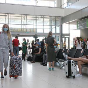 Грузія подовжила заборону на відновлення регулярного авіасполучення