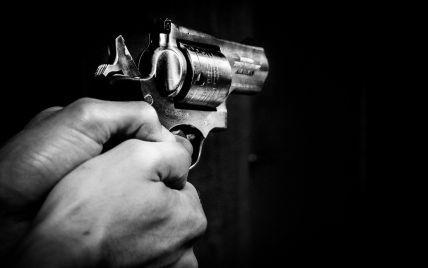 У Києві чоловік вистрілив собі у скроню з травматичного пістолета