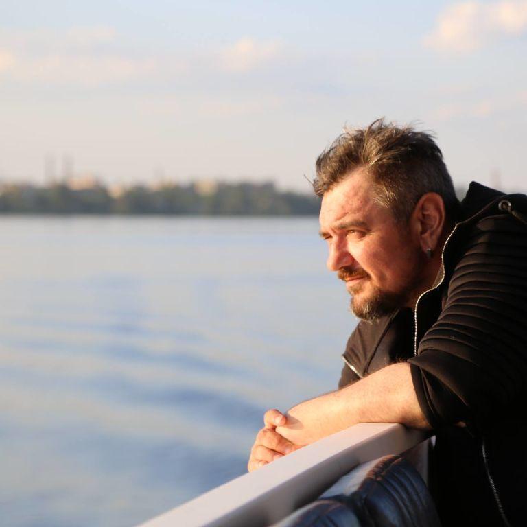 Умер украинский блогер и писатель Святослав Носов, более известный как Горький Лук