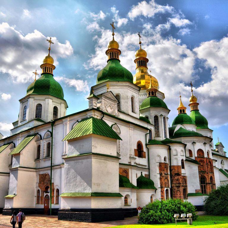 Київрада відмовилась поновлювати оренду ділянки під скандальною забудовою неподалік Софії Київської