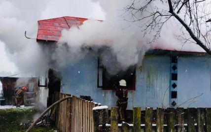 У Львівській області під час пожежі у власному будинку загинув чоловік: фото