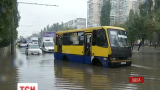 Затоплені вулиці, повалені дерева: в Одесі вирує негода