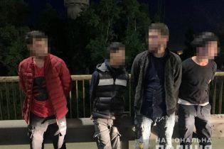 Не заплатил за ремонт: в Киеве группа иностранцев похитила 32-летнего мужчину, который задолжал деньги