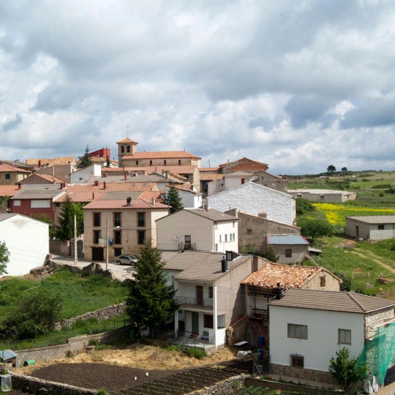 В Испании семьям со всего мира предлагают бесплатное жилье и работу: условия переезда
