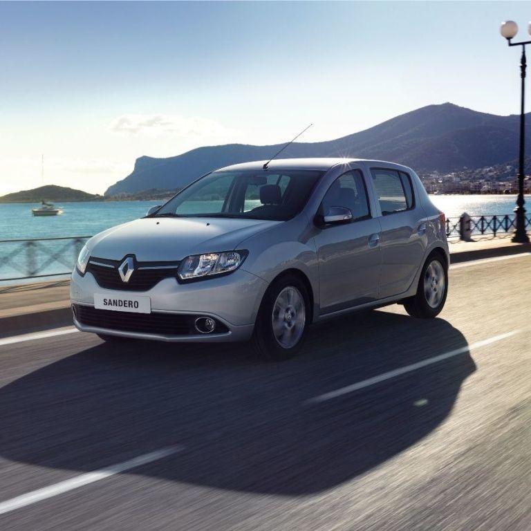 Все об автомобиле Renault Sandero: чем именно привлекает эта модель и кому она составляет конкуренцию на рынке