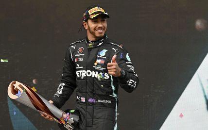 """Чемпион """"Формулы-1"""" загулял с известной порнозвездой: фото сексапильной красотки"""