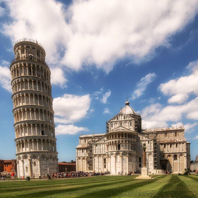 Пизанская башня выравнивается - ученые