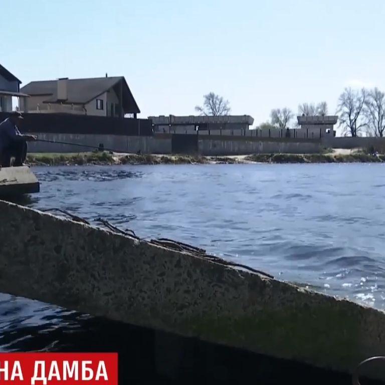 Неизвестные развалили дамбу на Бортнической станции аэрации в Киеве