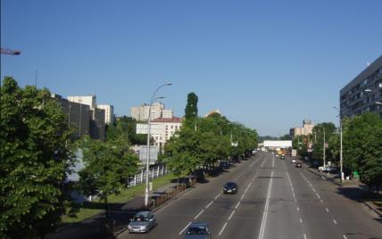 В Киеве на одном из проспектов ограничат движение почти на месяц