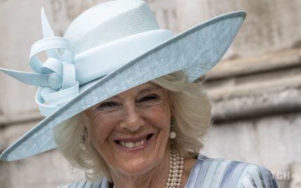 Камилла в голубом пальто, а принц Чарльз в форме: королевская пара посетила  Вестминстерское аббатство