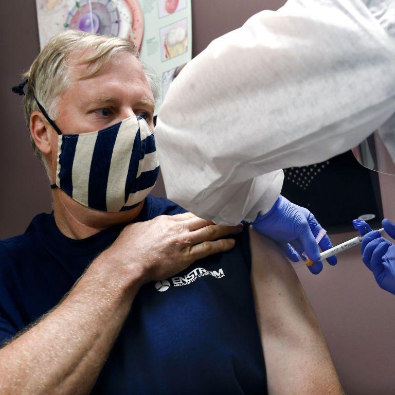У США зафіксували першу важку алергічну реакцію на вакцину Moderna