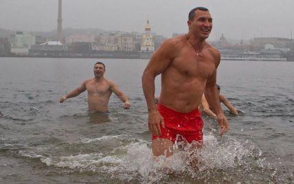 Звезды празднуют Крещение: Фреймут в церкви, а братья Кличко - на Трухановом