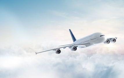 """У бортпровідника під час польоту стався інсульт: пасажирський літак екстрено посадили в московському аеропорту """"Домодєдово"""""""