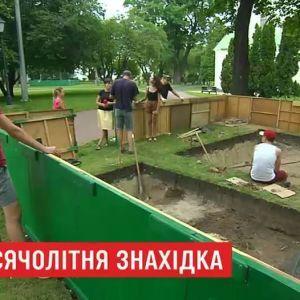 На території Софії Київської під час ремонту випадково виявили тисячолітню браму