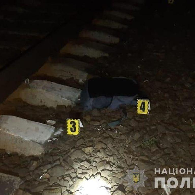 """""""Сидел на рельсах и не реагировал"""": поезд сбил насмерть 22-летнего парня в Тернопольской области (фото)"""