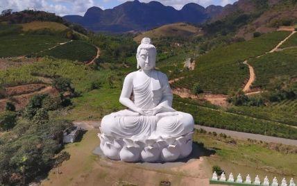 В Бразилии установили одну из самых высоких статуй Будды в мире