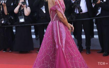 В пышном платье с обнаженной спиной: леди Виктория Херви впечатлила еще одним образом