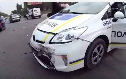 В Сети появилось видео новой аварии с патрульной машиной