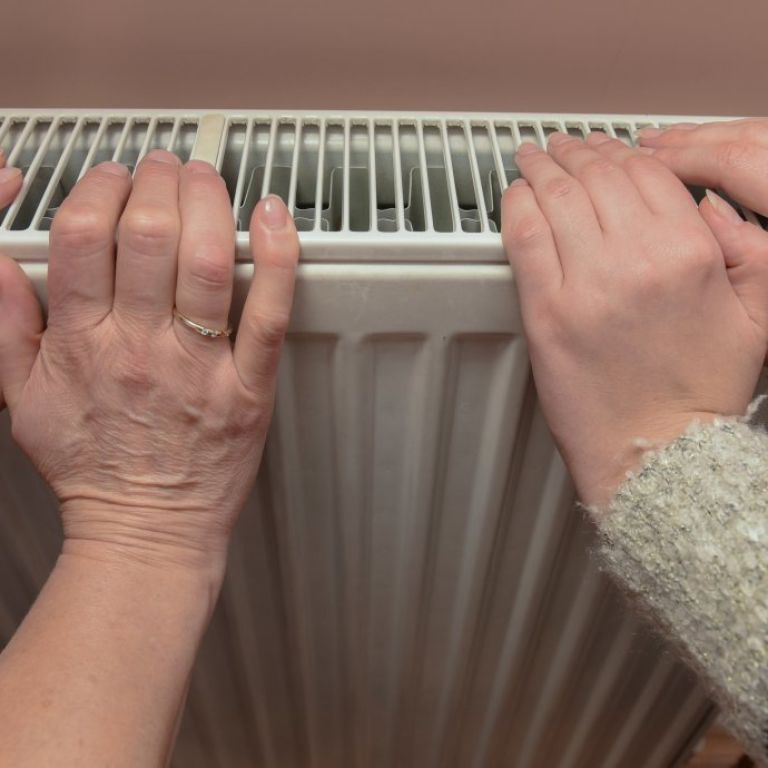Не платить за холодные батареи: в Украине хотят создать инспекцию, которая будет следить за качеством коммунальных услуг