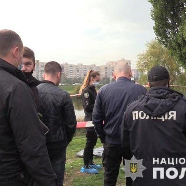 Понівечене тіло жінки на зупинці у Києві: убивці винесли вирок