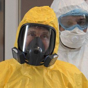 У Кремлі розповіли, чому Путін досі не зробив щеплення від коронавірусу російською вакциною